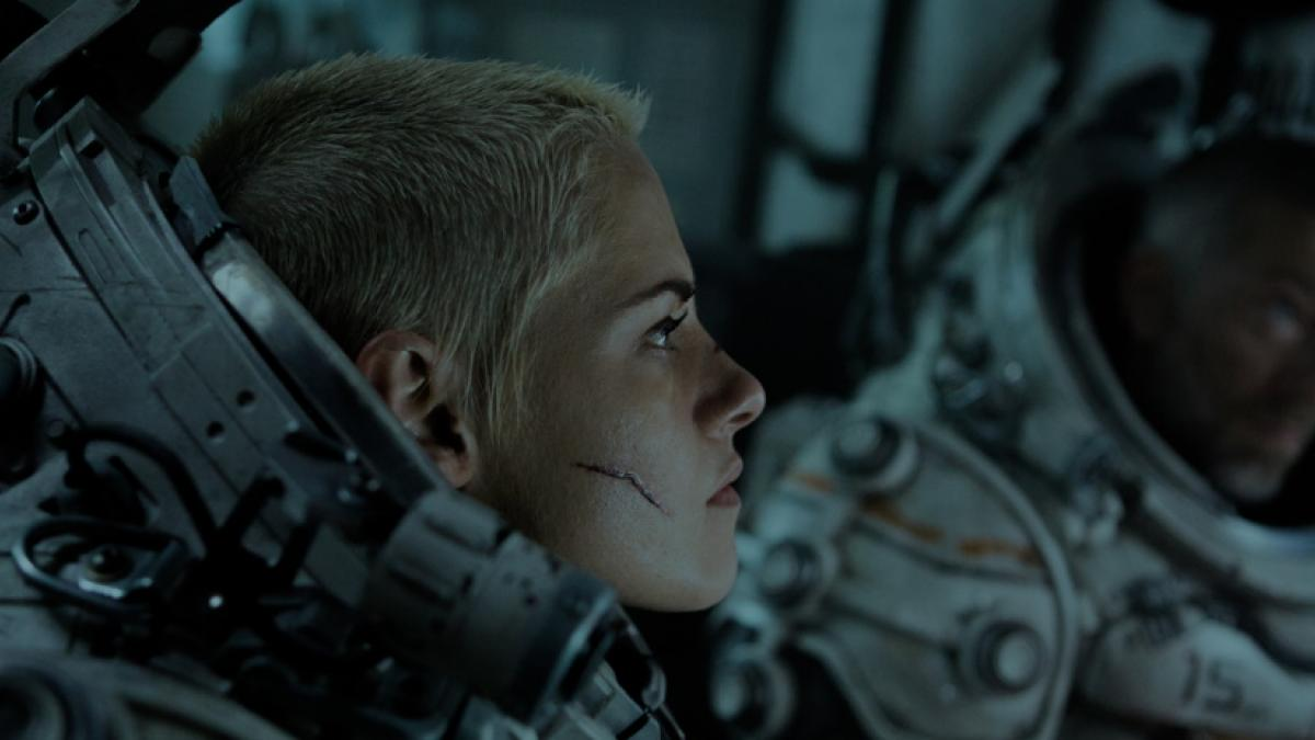 Drilling engineer Norah (Kristen Stewart) dons an advanced deep-sea diving suit.